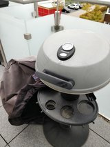 electric grill, comes with cover in Stuttgart, GE