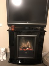electric fireplace w/remote in Ramstein, Germany