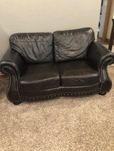 Leather love seat ( real leather ) in Lawton, Oklahoma