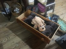 Pet bed medium drawer in Fort Campbell, Kentucky