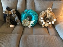 Burlap bubble wreath in Fort Rucker, Alabama