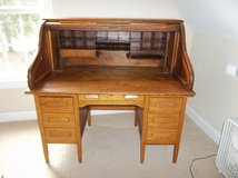 Oak Rolltop Desk, Over 100 yrs old in Camp Lejeune, North Carolina