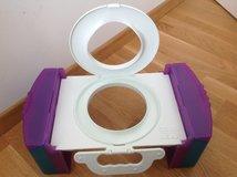 Fold-To-Go Collapsible Portable Toilet in Stuttgart, GE