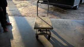 ROUGH NECK TABLE LIFT in Beaufort, South Carolina