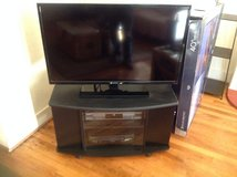 element 40 inch tv with stand in Alamogordo, New Mexico