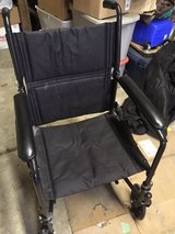 *** TRANSPORT WHEEL CHAIR FOR SALE *** GOOD CONDITION in Tacoma, Washington