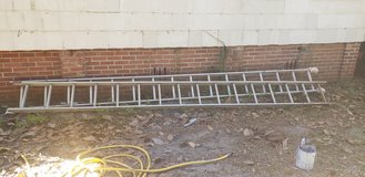 32 ft ladder Good Condition in Beaufort, South Carolina