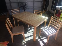 Nice Kitchen Oak Table with 4 chairs in Fairfield, California