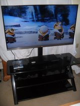 ~~~  LG Smart Tv With Stand  ~~~ in Yucca Valley, California