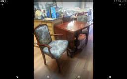 Dining Table & Chairs in Travis AFB, California