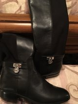 Michael Kors Boots in Conroe, Texas