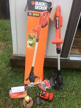 Cordless Black & Decker 18V Single Source 10in Trimmer and Edger in Leesville, Louisiana