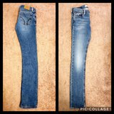 Hollister Skinny Jeans (Size 7 Long) in Fort Rucker, Alabama