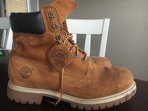 Rust color men's Timberland boot 9 1/2 in Fort Hood, Texas