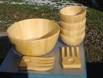7 PC WOOD BOWL SALAD SET in Chicago, Illinois