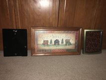 Pictures/Frames in Plainfield, Illinois
