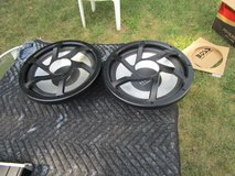 Subwoofer N Amp Kit in Westmont, Illinois