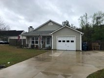 AMAZING FOUR BEDROOM TWO BATH PET FRIENDLY RENTAL JUST OUTSIDE THE CITY. in Camp Lejeune, North Carolina