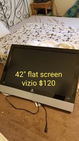 """42""""tv and 3 chairs price on pics in 29 Palms, California"""