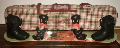 Men's Snowboard/Boots/Bindings/Travel Bag in Stuttgart, GE