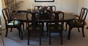 Ethan Allen dining set with 6 chairs in Hopkinsville, Kentucky