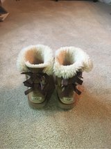 Girls Ugg Boots - Size 4 in Lockport, Illinois