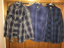 Heavyweight Flannel Large Tall - Make Offer in Joliet, Illinois