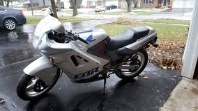 1990 cbr 600f1 in Plainfield, Illinois