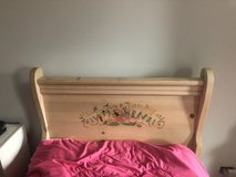 Slightly used sleigh bed in Plainfield, Illinois