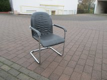 wide comfortable office chair in Ramstein, Germany