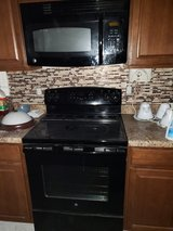 Black stove great condition in Camp Lejeune, North Carolina