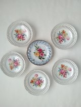 Lot of 6 Small Vintage 6 Inch Round Ceramic Decorative Dishes- VGC in Lockport, Illinois