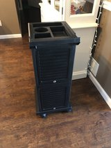 Salon /personal locking trolley in Fort Leonard Wood, Missouri