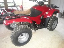 08,420 rancher,2wd,manuel shift,runs good,no smoke,tires good.bikes in good shape. in Leesville, Louisiana