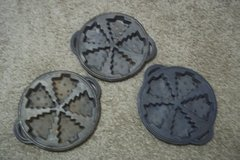 Cast Iron Christmas Tree Muffin Pans in Baytown, Texas