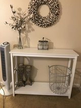 Entryway Table in Leesville, Louisiana