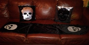 Skull table runner & pillow set in Kingwood, Texas