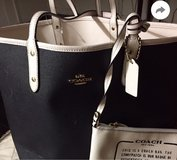 Black and White Coach bag with wallet in Fort Benning, Georgia