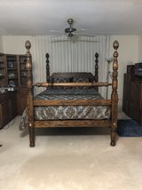 Queen size bed in Yucca Valley, California