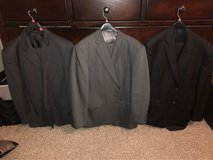 Men's suits size 44 in Bolingbrook, Illinois