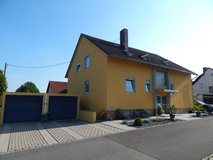 Beautiful 3 families house 5 minutes from Vilseck in Grafenwoehr, GE