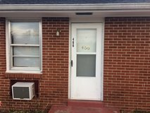 1 bedroom, 1 bath apartment, pets OK, 1 car garage, washer dryer hookup, $495 in Clarksville, Tennessee