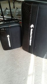2 pc suitcase set in Tacoma, Washington