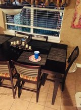 Reduced today - Bassett 9pc counter Height table set in Baytown, Texas
