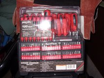 100 pc screwdriver set in Fort Knox, Kentucky