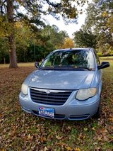 2005 Chrysler town and country in Houston, Texas
