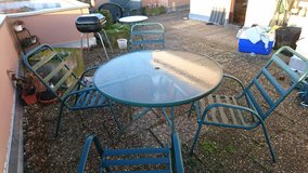 Patio Table and Chairs in Stuttgart, GE