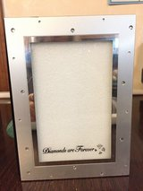 4 x 6 Picture Frame - Holds 72 pictures in Lockport, Illinois
