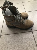 Altama boots 7.5 in Ramstein, Germany