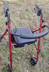 Medical 4-wheel Rolling Walker - Excellant Condition in Byron, Georgia